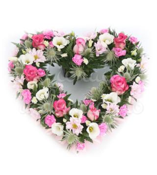 cuore-candido-di-roselline-e-fiori-misti