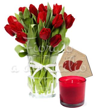 tulipani-con-candela-e-bigliettino
