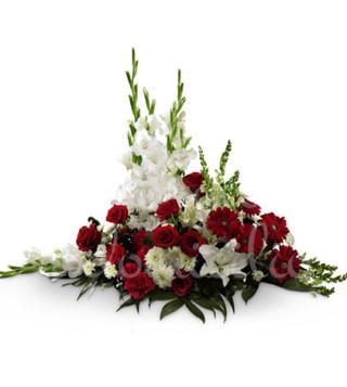 composizione-funebre-di-rose-e-gigli