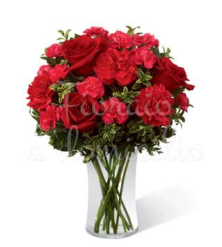 bouquet-di-rose-rosse-e-garofani